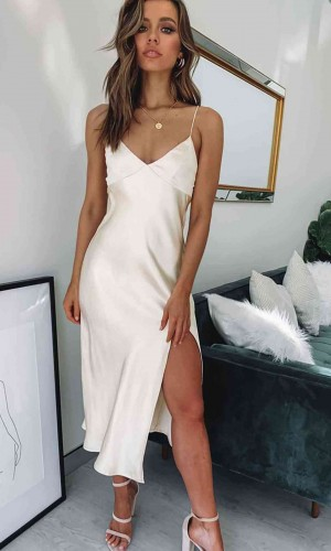 Merry See Saten Uzun Yırtmaçlı Gecelik Elbise Beyaz MS2321-Beyaz